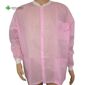 China disposable PP workear non woven one time use pink colour lab coat factory