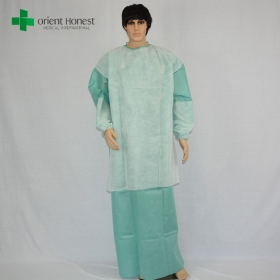 China the best qualtiy EO sterile packing disposable PE film reinforced surgical gown manufacturer in China factory